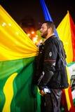 抗议者和旗子,布加勒斯特,罗马尼亚 免版税图库摄影