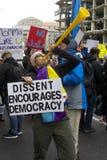 抗议者在唐纳德・川普` s就职典礼外面2017年 免版税库存图片