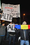 抗议者在布加勒斯特 免版税图库摄影