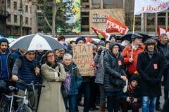 抗议者聚集了在Kleber方形的抗议的政府的pla 免版税库存图片