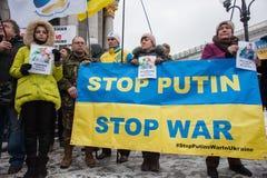抗议行动`中止普京-在独立广场停止战争`在Kyiv 库存图片