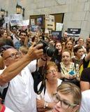 抗议,反王牌集会, NYC, NY,美国的标志 库存图片
