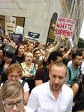 抗议,反王牌集会, NYC, NY,美国的标志 库存照片