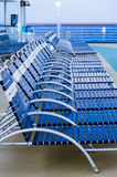 折叠的躺椅行在甲板的 免版税库存图片
