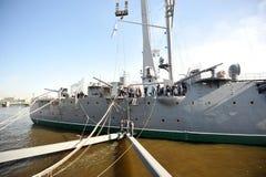 折除10月革命巡洋舰极光的标志 免版税库存照片