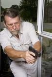 抢劫调查的警察 免版税库存照片