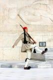 总统护卫队在雅典 库存图片