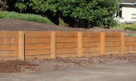 护墙由木头制成 图库摄影