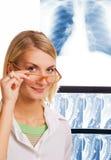 护士微笑 免版税库存图片