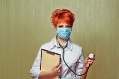 护士画象用医疗设备 免版税图库摄影