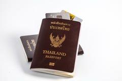 护照和信用卡 免版税库存照片