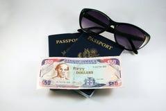 护照太阳镜 库存照片