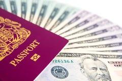 护照现金 库存照片