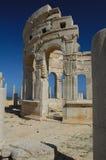 报亭leptis利比亚优秀大学毕业生市场一porticoes包围tholoi二 免版税图库摄影