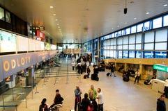 报到在克拉科夫机场 库存照片