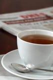 报纸茶 免版税库存图片