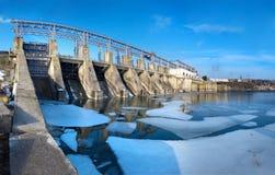 抽水蓄能水力发电厂的次幂 库存照片