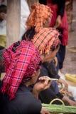 抽烟的供营商 库存图片