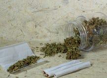 抽烟的大麻 免版税库存照片