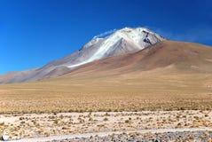 抽烟的火山在玻利维亚 免版税库存照片