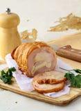 抽烟的鸡可口肉卷 免版税库存图片