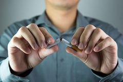 抽烟的终止 免版税库存图片