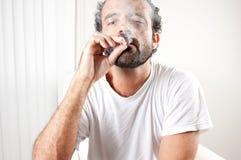 抽烟 库存照片