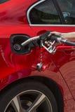 抽的气体-填装汽车用燃料 库存照片