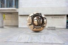 抽象世界雕塑 库存照片