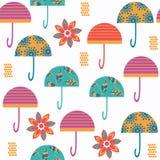 抽象五颜六色的传染媒介伞无缝的样式 它是位于 免版税库存图片