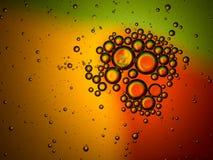 抽象五颜六色的背景,油在水II下降 免版税库存图片