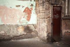 抽象倒空被放弃的都市内部片段 图库摄影