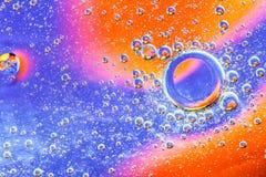 抽象分子sctructure 背景浴蓝色泡影水 空气或分子宏观射击  抽象背景 空间或行星抽象backgro 免版税库存图片