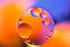 抽象分子sctructure 背景浴蓝色泡影水 空气或分子宏观射击  抽象背景 空间或行星抽象backgro 库存图片