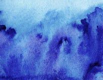 抽象创造性的水彩绘了与蓝色洗涤层数的背景 软的天空和海,冰 免版税库存图片