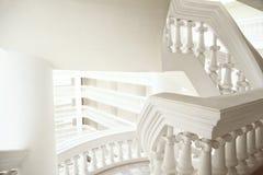 抽象古典与拷贝空间的样式普通建筑学白色背景 免版税库存图片