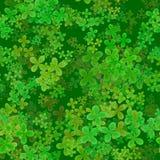 抽象叶茂盛样式,绿色在黑暗的背景,苜蓿叶形立交路口春天纹理,无缝的四片叶子三叶草例证离开 库存照片