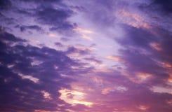 抽象和剧烈的云彩背景 库存照片