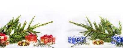 抽象圣诞节构成 抽象背景蓝色开花雪花向量冬天 图库摄影
