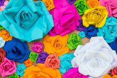 抽象墙纸彩虹五颜六色的罗斯花纸背景 图库摄影