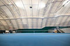 抽象室内网球场 库存图片