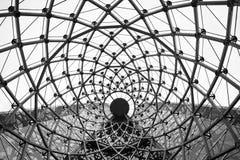 抽象建筑背景漩涡钢粱玻璃屋顶 库存图片