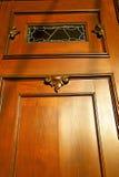 抽象房子门在意大利伦巴第红色窗口里 库存照片