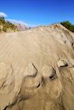 抽象沙丘海滩hil和山兰萨罗特岛西班牙 库存图片