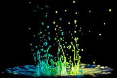 抽象油漆舞蹈蓝绿色黄色 免版税库存图片