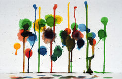 抽象派五颜六色的滴水油漆 免版税库存照片