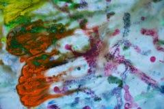 抽象混杂的紫色橙黄色蓝色颜色和颜色 抽象独特的湿油漆背景 绘画斑点 图库摄影