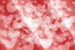 抽象白色心脏和红色背景 免版税库存图片