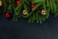 抽象空白背景圣诞节黑暗的装饰设计模式红色的星形 插入文本的背景 新年 免版税库存图片