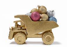 抽象空白背景圣诞节黑暗的装饰设计模式红色的星形 有欢乐装饰的玩具卡车 免版税图库摄影